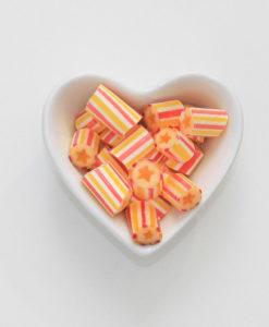Stern-Bonbons von Sweet Poppet in Herzschale
