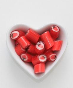Erdbeer-Bonbons von Sweet Poppet in Herzschale