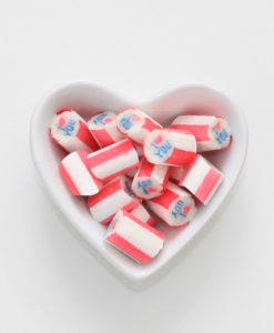 I love you-Bonbons von Sweet Poppet in Herzschale