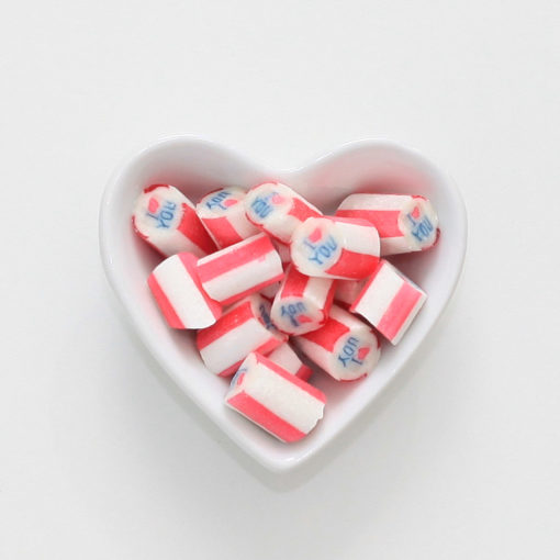 I love you-Bonbons von Sweet Poppet in Herzschale
