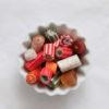 Sweet Poppet Advents-Mischung-Bonbons in weißer Schale