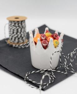 Sweet Poppet Krone aus Keramik in weiß mit Bonbons