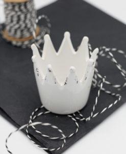 Sweet Poppet Krone aus Keramik in weiß für Bonbons