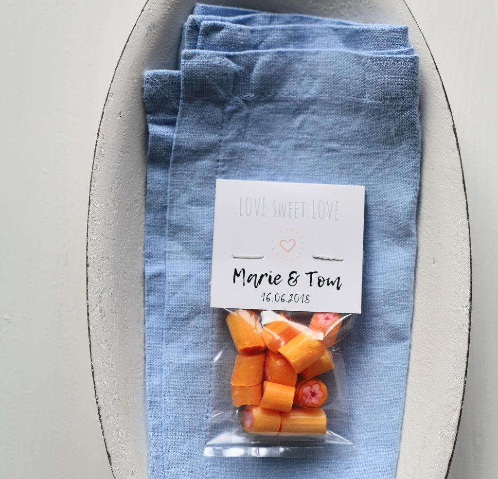 Sweet Poppet Bonbons als Gastgeschenk mit individuellem Etikett Pfirsichblüte-Bonbons