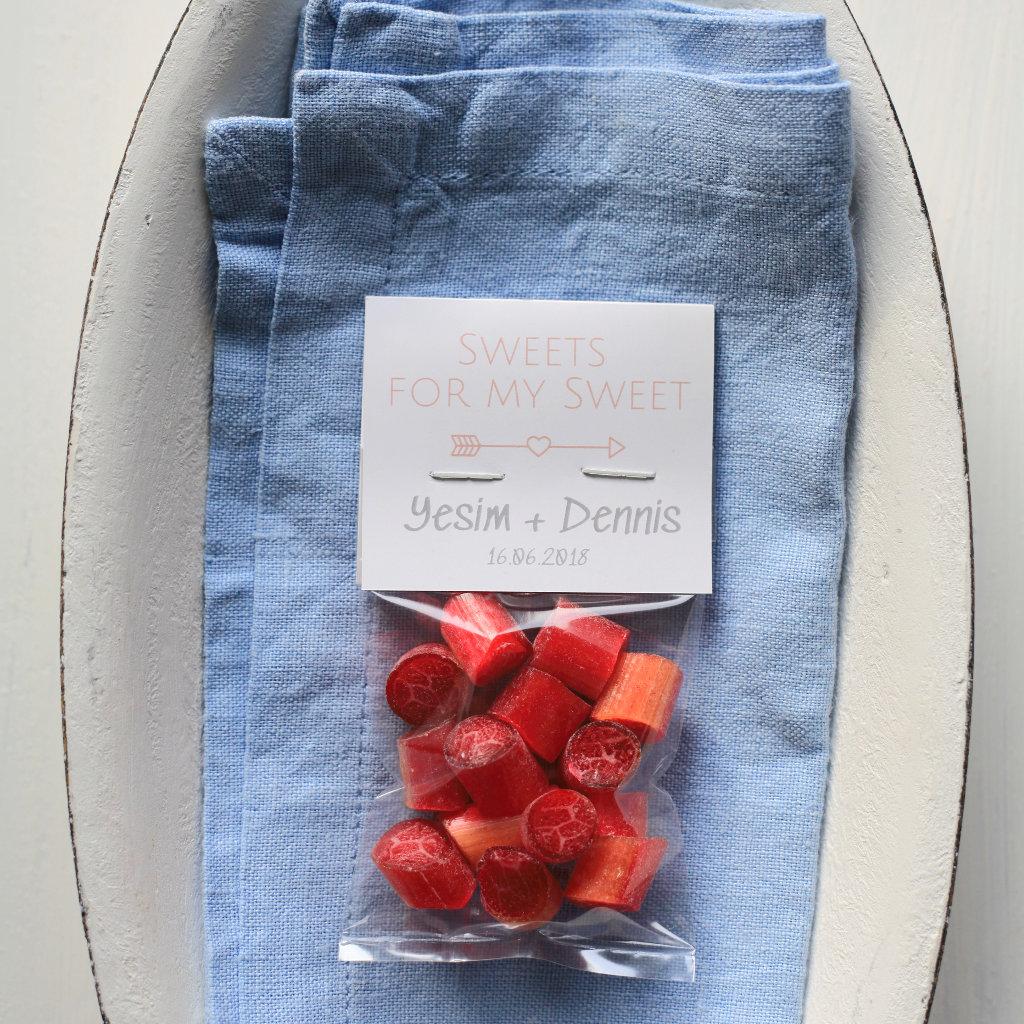 Sweet Poppet Granatapfel-Bonbons als Gastgeschenk für die Hochzeit mit individuellem Etikett