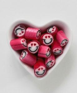 Happy Love Brause-Kirsch-Bonbons in Herzschale